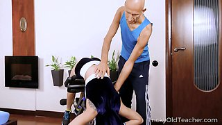 Cute fitness chick Renata Fox is shocked by huge dong of her boxing coach
