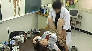 Naughty Japanese doctor gave a creampie to his patient