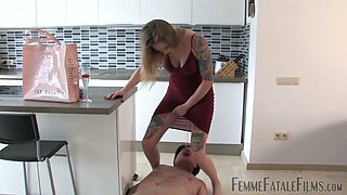 Femme fatale Fade makes submissive lick shoes and pisses on his face