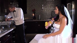 Busty bride facialized by her ex bf caterer