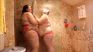Fat shower babes