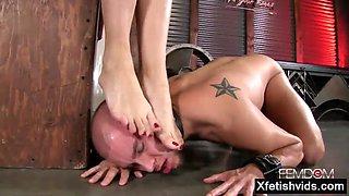 Hot pornstar foot with cumshot