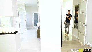 Carmen Caliente Her Hot Roommate To The Bathroom Duty