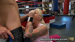 Blonde Angel Vain gives head to muscled Johnny Sins