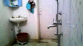 Stupid Bengla desi boy setup cam NOT elder sister's bath