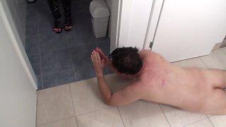 slave joschi get humiliated in toilet