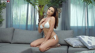Captivating babe Alyssia Kent is toying yummy peachy pussy