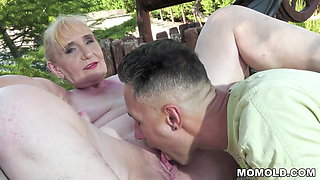 Slutty mature lady Nanney is fucking with horny dude