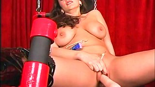 High-heeled cougar with a shaved pussy enjoying a hardcore vibrator fuck
