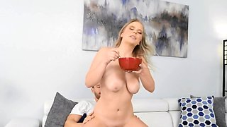 Good-looking nympho gets off on soft bonking for breakfast