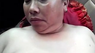 Fucking a Chinese Mature In a Car