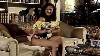 Aja, Renee Morgan in old school porn star fucks a chick