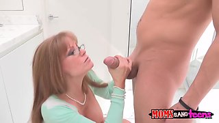 His girlfriend's sexy step-mom, Darla, was home