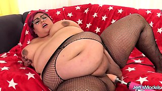 Machine Gives Fat Veruca Darling Orgasm