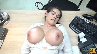 Mega busty Czech chick gives a blowjob and titjob for money
