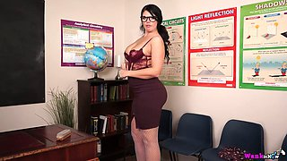 Nerdy sexy MILF Kylie K exposes her fabulous big tits and tickles her clit