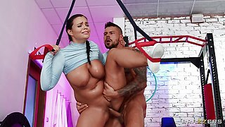 Horny Muscle Stud Angelo Godshack Bangs Babe In Gym
