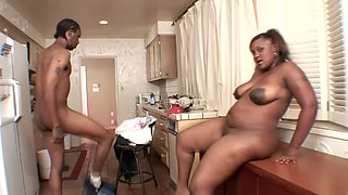 Thick bottomed BBW seductress makes a plumber lick her twat in the kitchen