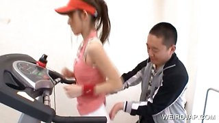 Teen asia gets assets tease in the gym
