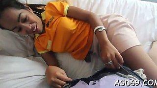 Thai teen blows a pecker
