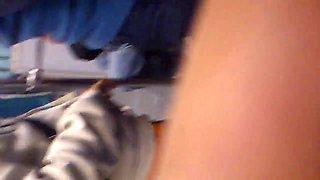 Pirenas de jovencita en el metro