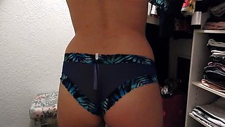 Naughty amateur teen rubs her snatch in the dressing room