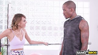 Tall black gym hunk lures Janice Griffith and fucks her well