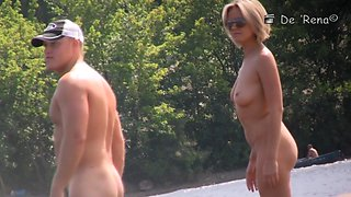 Beach spy cam voyeuring the naked couple of lovers