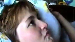 Russin von Notgeil69 aus Dresden wird in den Mund gefickt