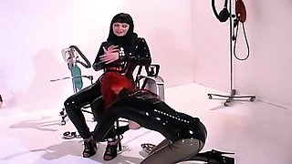 Dominant babes in latex play out their lesbian fantasies