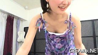 Goluptious asian girlfriend enjoys extreme sex