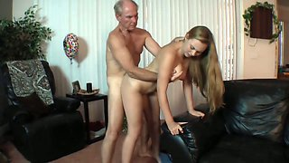 Flirty daughter wants old man cock to fuck her pussy