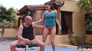 Stunning Vanessa Decker lets a horny guy fuck her outdoors