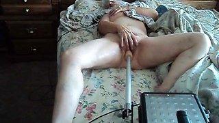 Wife enjoying her fucking machine