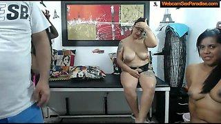 Interracial foursome sex streamed on a cam