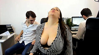 Fun and oddly quite sexy roleplay cam show.  Big busty bbw