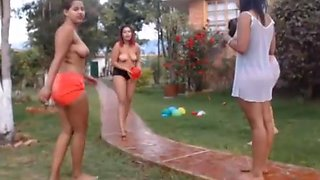 Colombian girls have fun