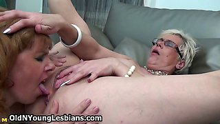 Horny mature wife squirts all over her part1