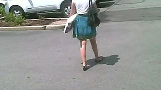 Asian Chick - Nice Look Up Her Skirt!