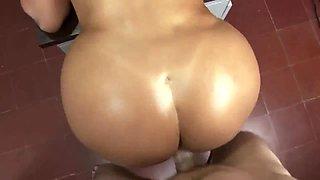 Curvy Latina secretary gets nailed in all holes well