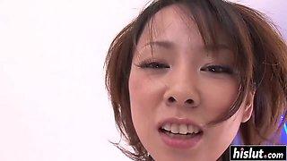 Runa Sezaki rubbed her clit with a vibrator