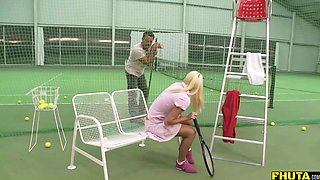 Anal action on the tennis court makes Lena Cova scream