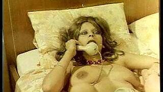 greek porno o kyklos toy egglimatos kai tis amartias (1977)