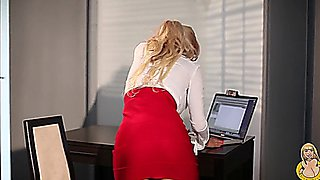 Sexy Venera secretary