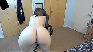 white girl naked twerking