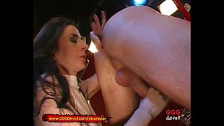 Sexy MILF loves Rimjobs And Piss - GGGDevot