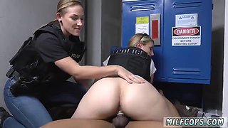 Angel Blonde In Club Toilet Sucking Cock Sex Purse Snatcher Learns A
