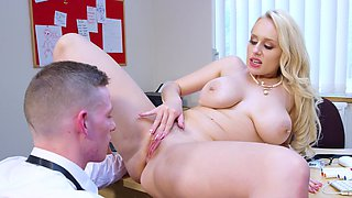 Busty MILF shares rich sex experience with attractive stud