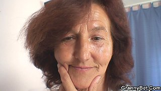 Hairy old tailoress pleases her younger client