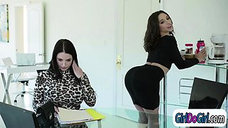 Abella seduces her boss and lets her anal ride her strapon